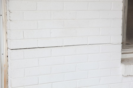 Horizontal cracks can be a sign of foundation settlement.