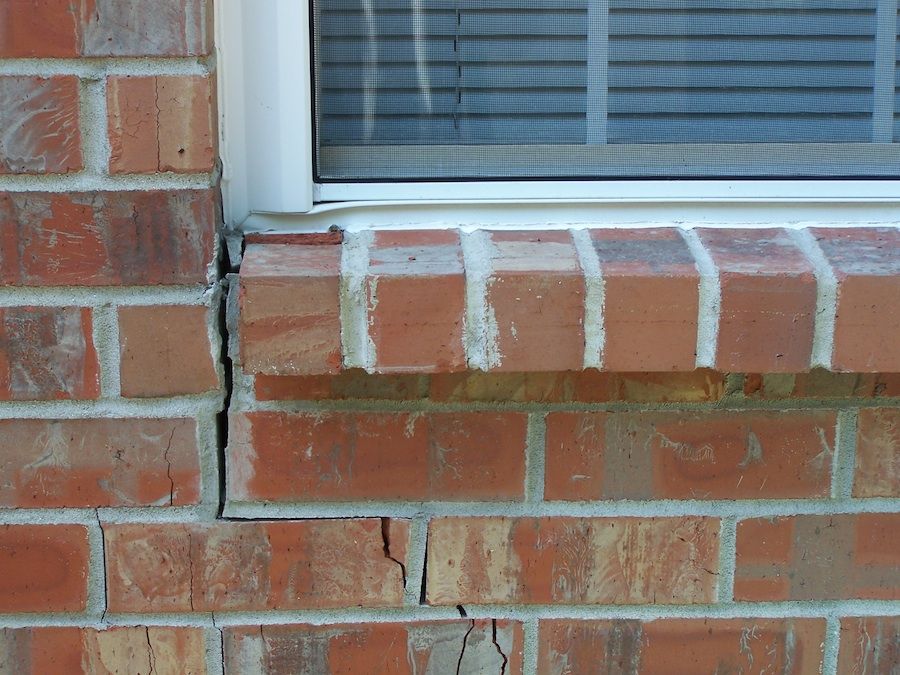 vertical-cracking-Nashville-foundation-piering